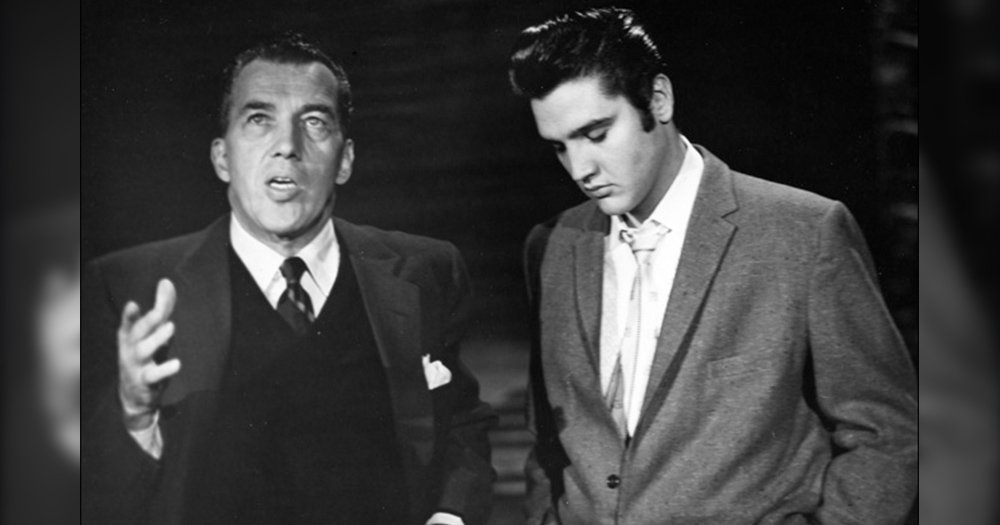 in 1957 elvis presley performed dont be cruel live on