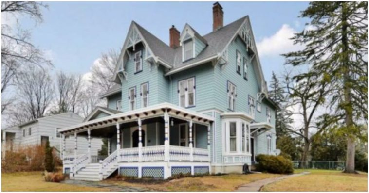 Explore This Incredibly Ornate 125 Year Old Victorian