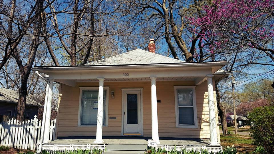 Couple Buys Ginger Rogers Childhood Home Call Experts When Her Ghost Visits Doyouremember