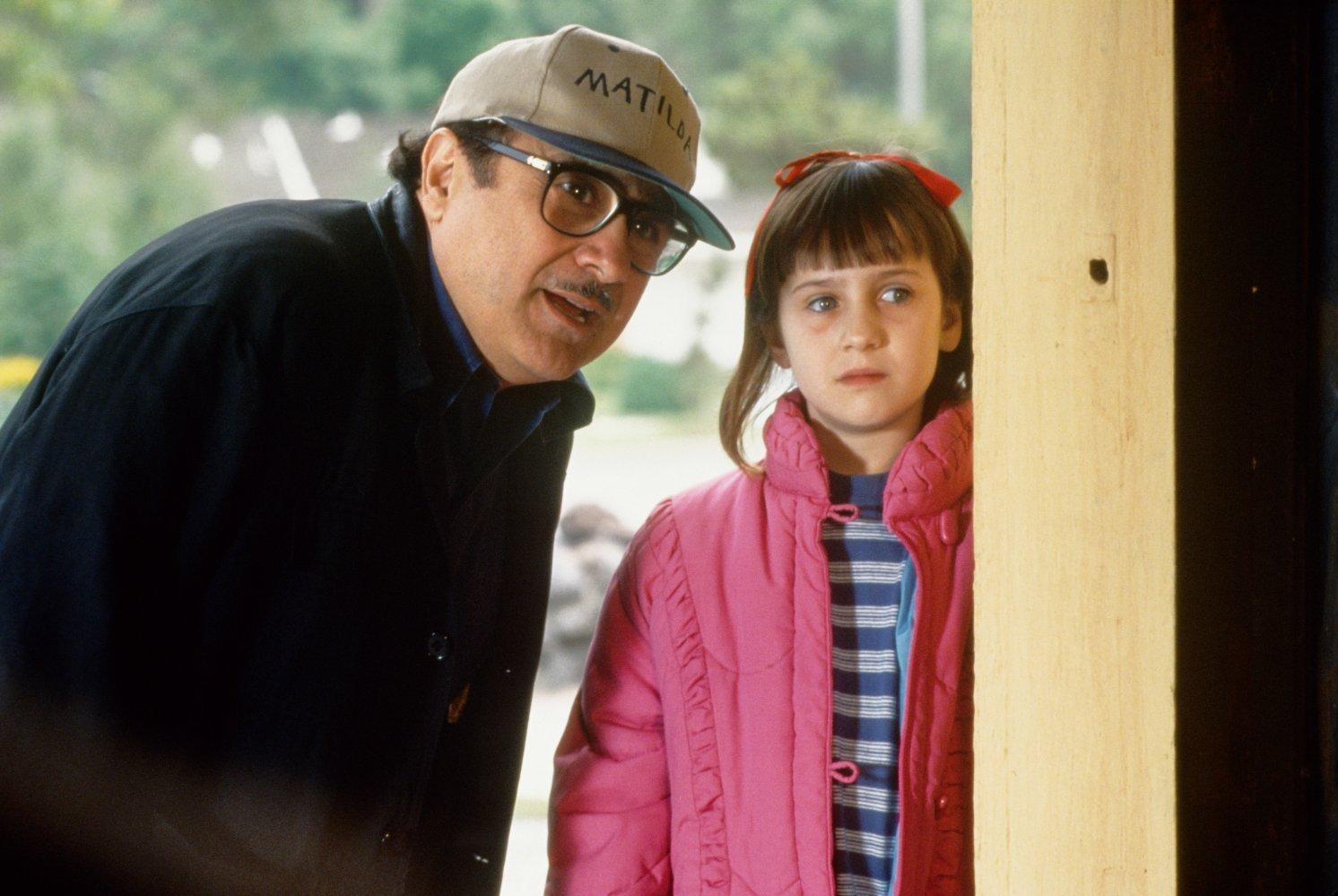 Danny DeVito and Mara Wilson on Matilda film set