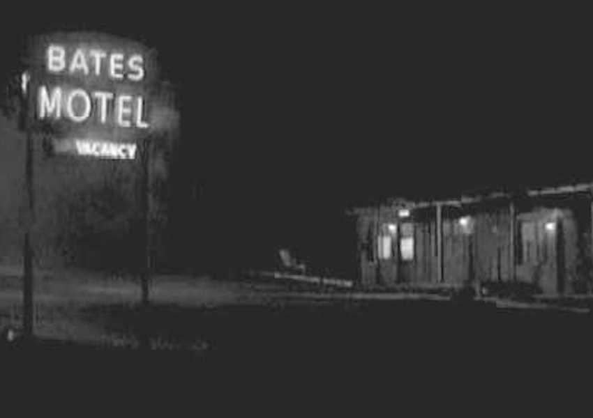 bates motel sign in psycho