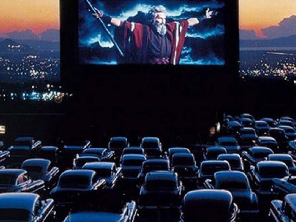 Classic Drive In Movie Theaters You Can Still Go To
