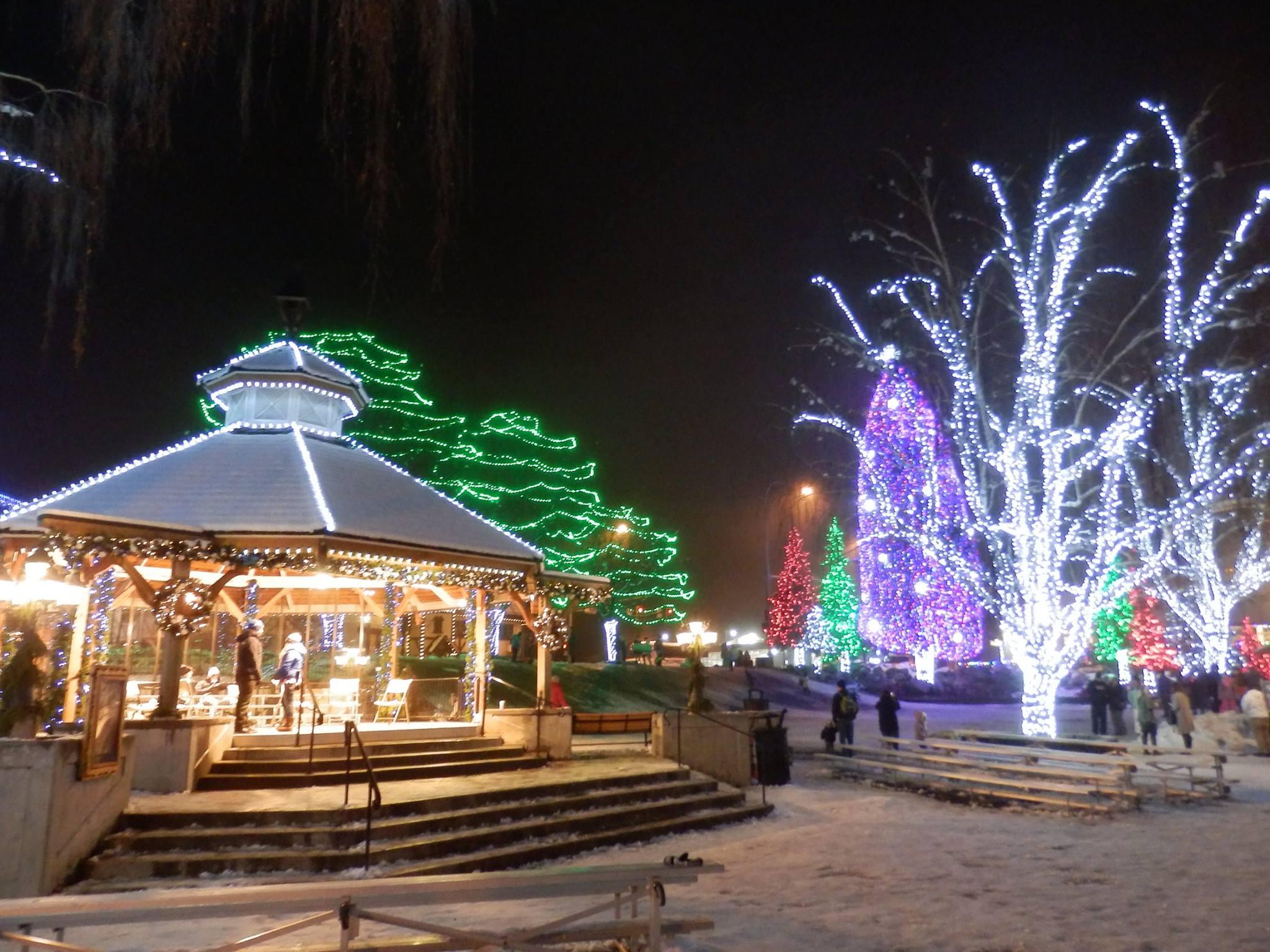 leavenworth small town christmas lights