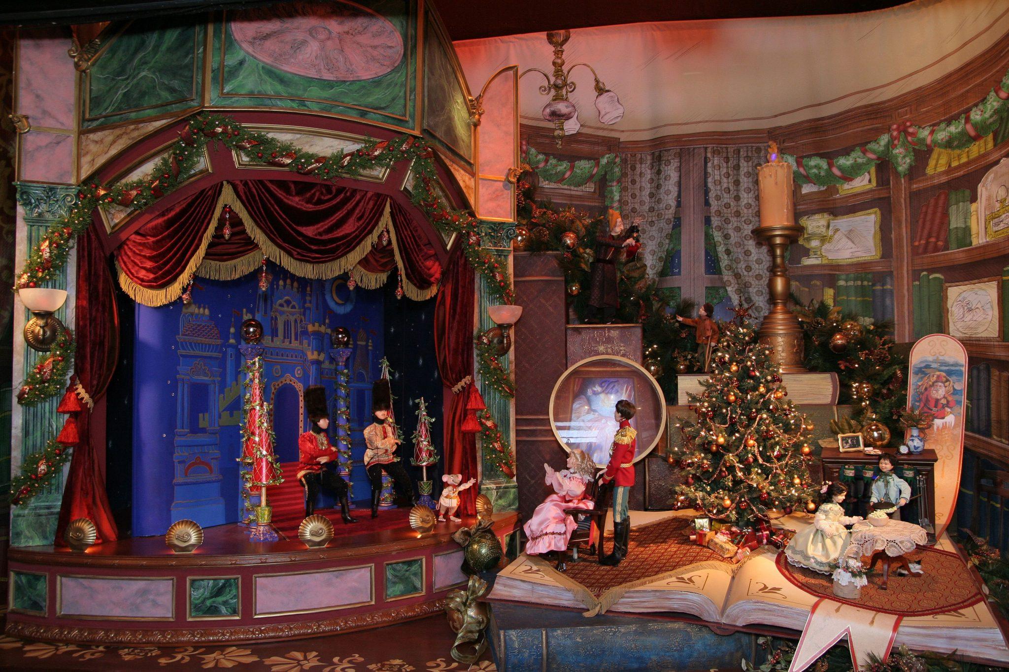 christmas display lord and taylor