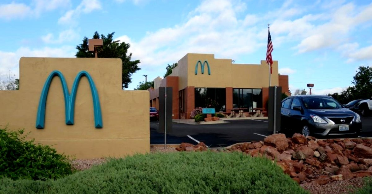 This Is Why Only One McDonald's Location Has Turquoise Arches