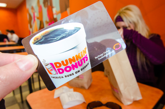 Dunkin Donuts Is Giving Away 120 000 In Free Gift Cards