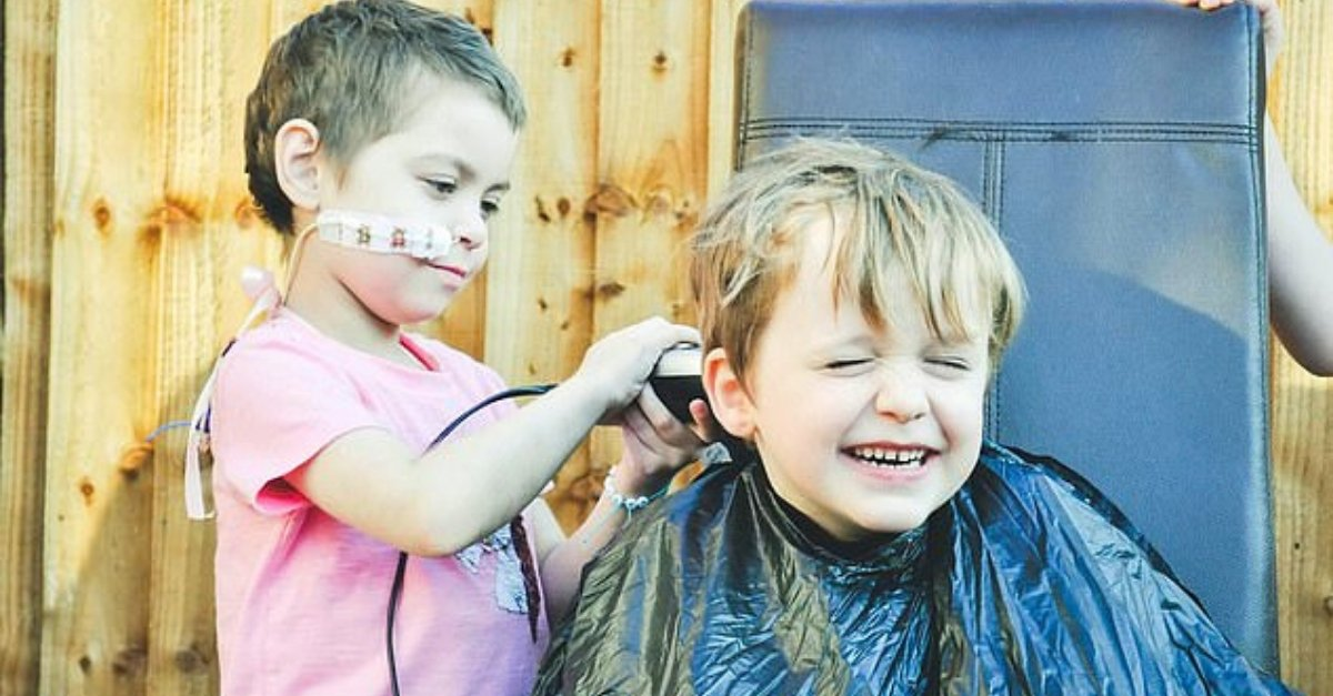 Little Boy Let His Best Friend Buzz His Hair Off To Raise Money For Cancer Treatment
