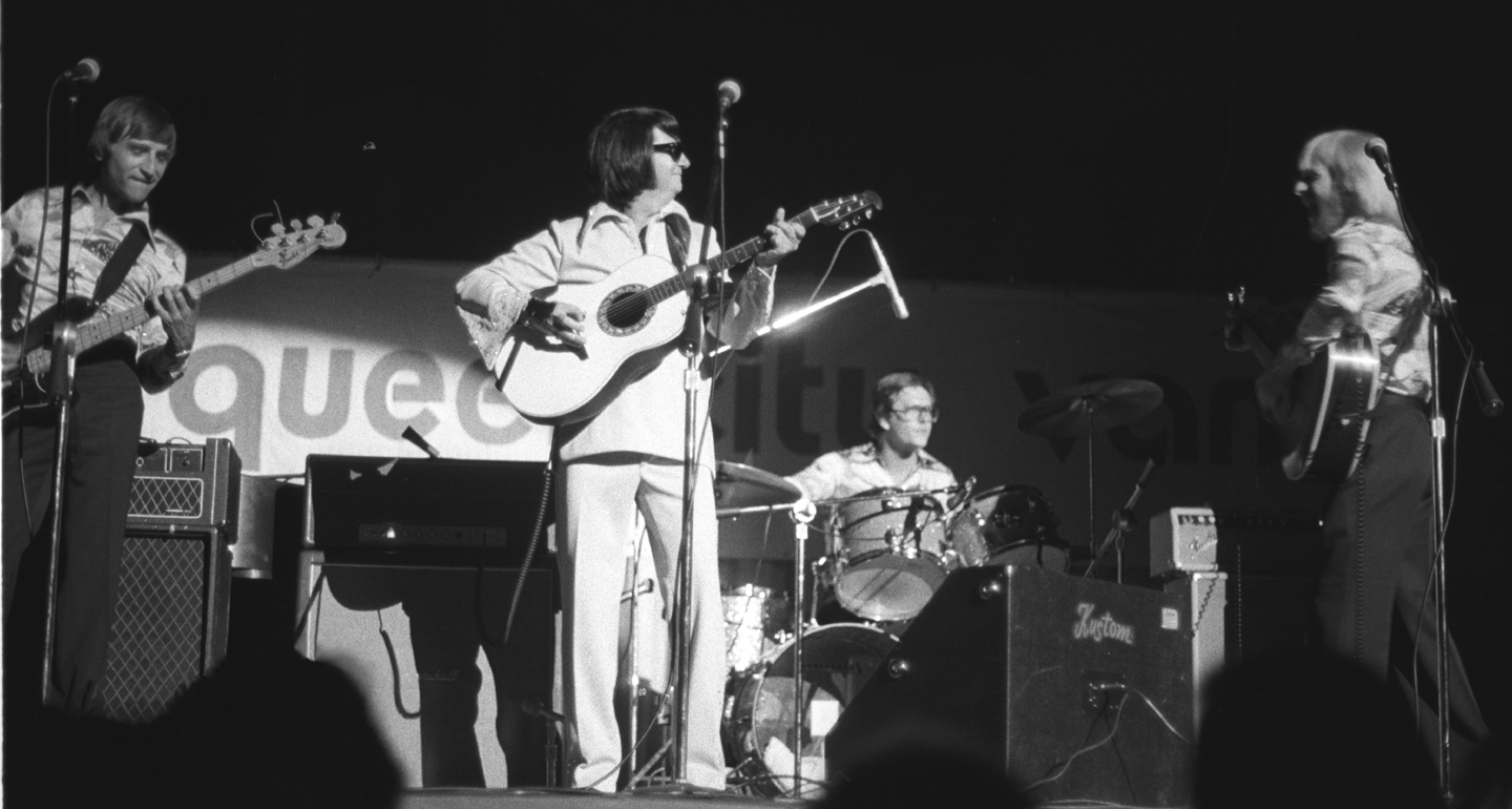 roy orbison performing