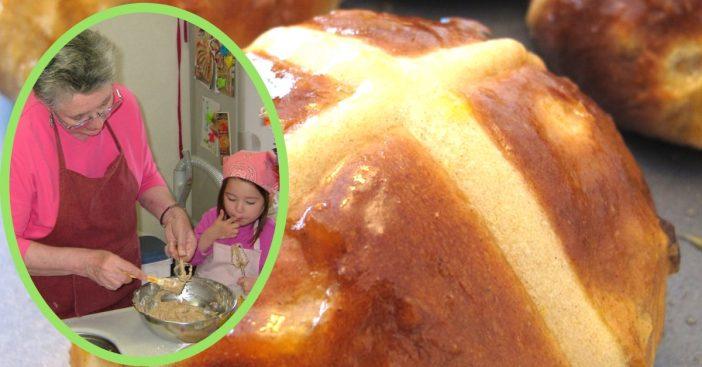 hot-cross-buns-grandma