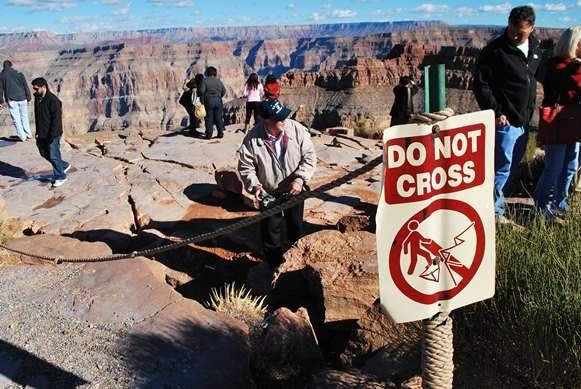 grand canyon warning sign