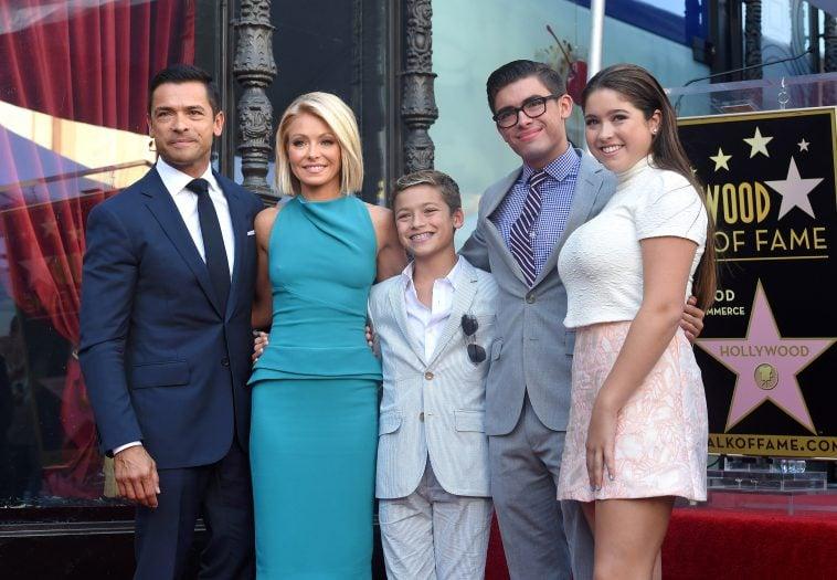kelly ripa and family