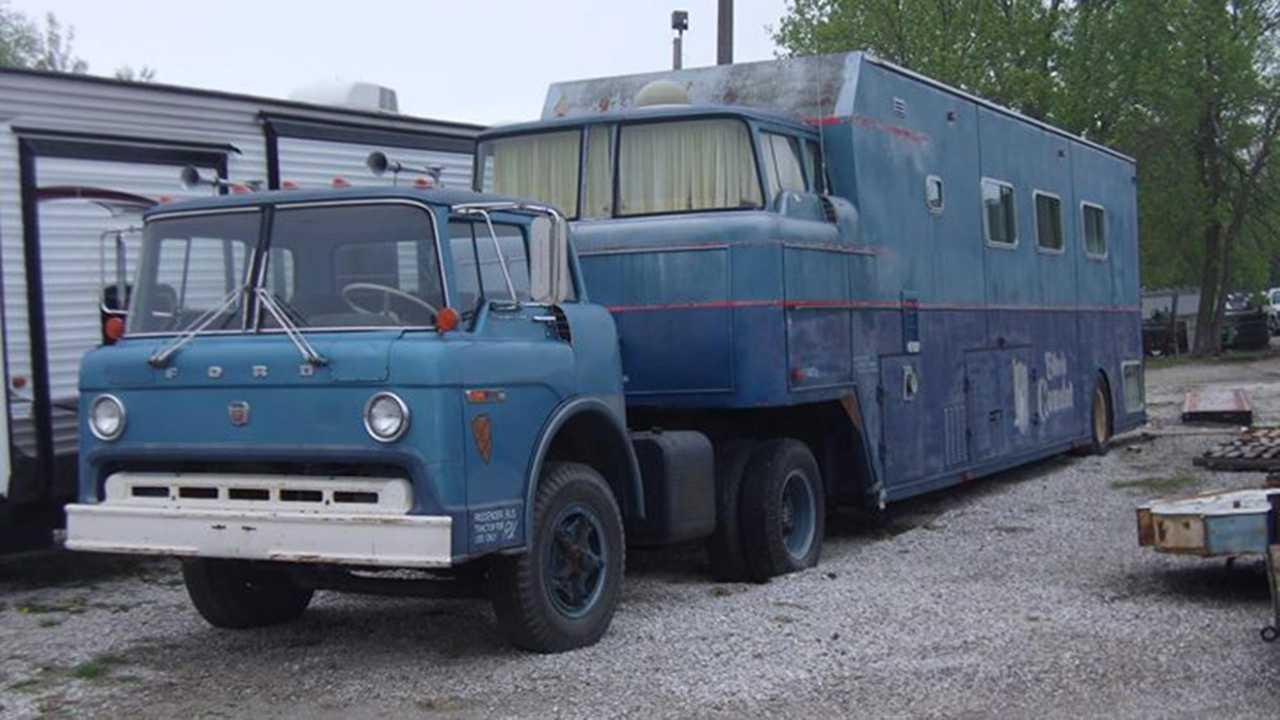 1970 Ford C900 Custom RV