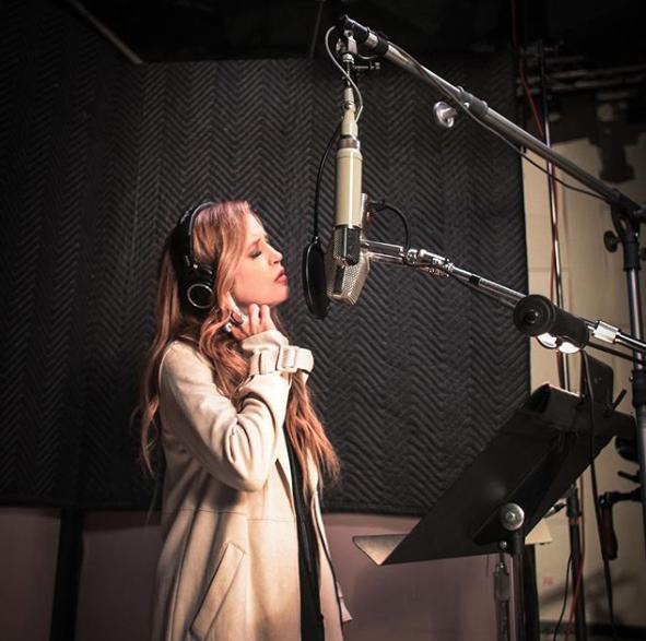 Lisa Marie Presley in recording studio