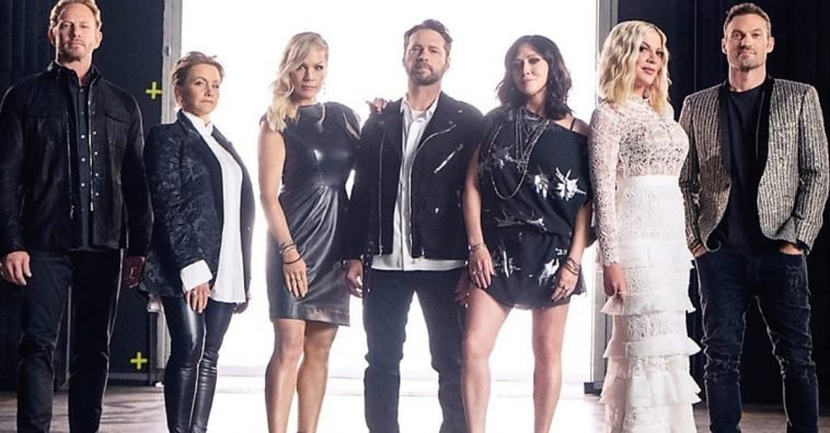 Learn More About The '90210' Reboot From Tori Spelling And ...