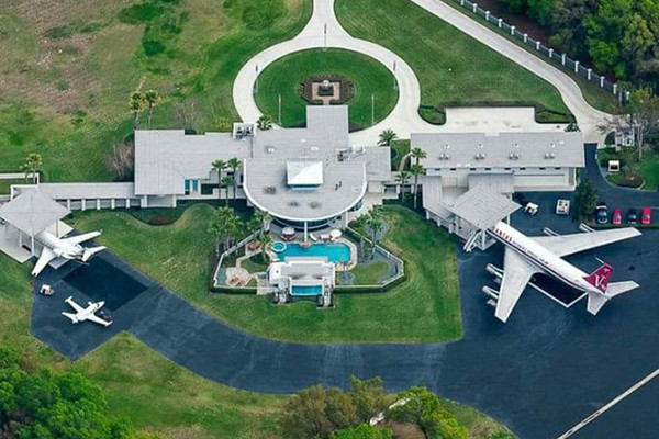 john travolta's house