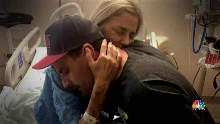 Son sacrifices liver transplant for his mom on Mother's Day