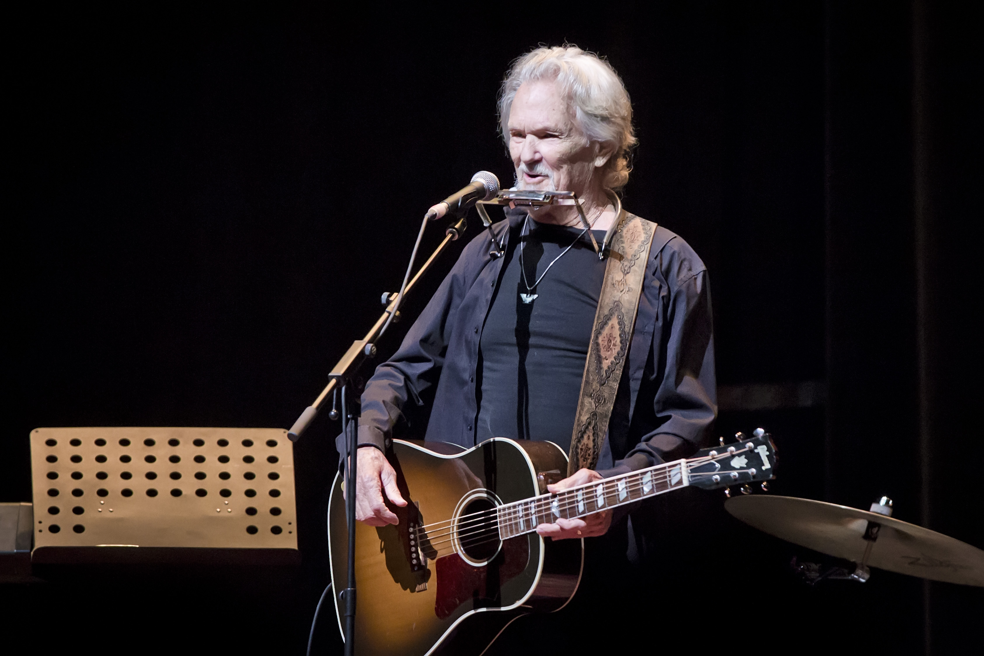 Kris Kristofferson performing in 2019