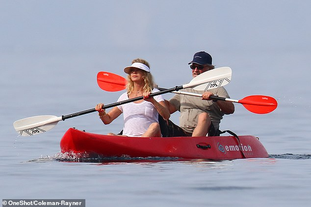 Goldie Hawn and Kurt Russell kayaking together