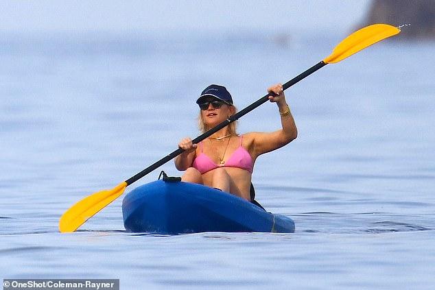 Kate Hudson kayaking