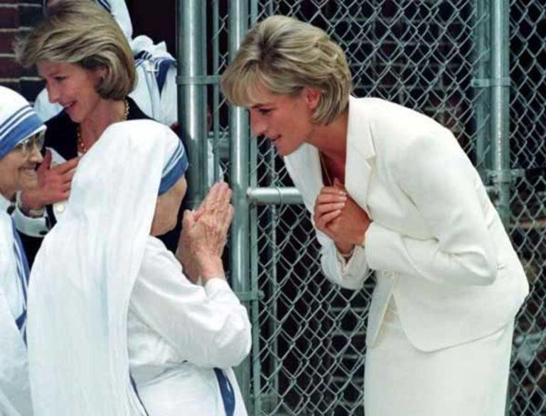 Princess Diana and Mother Theresa talking