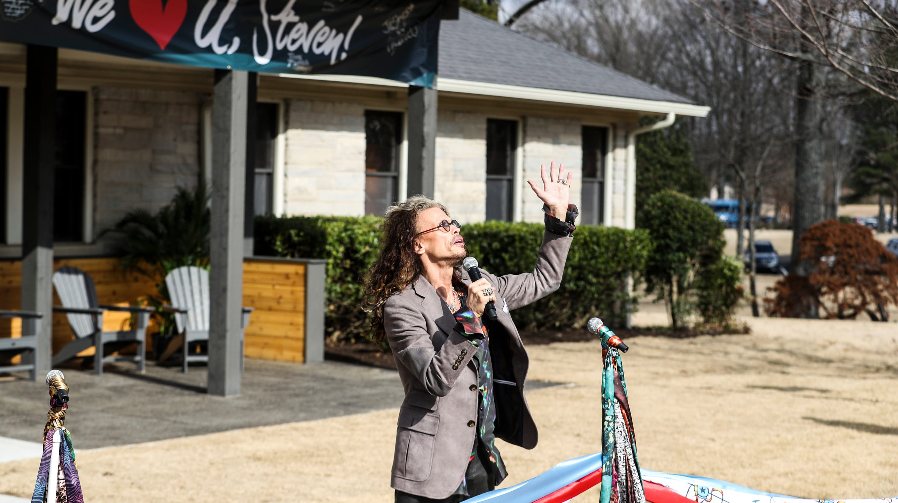 Steven Tyler at Janie's Home ceremony