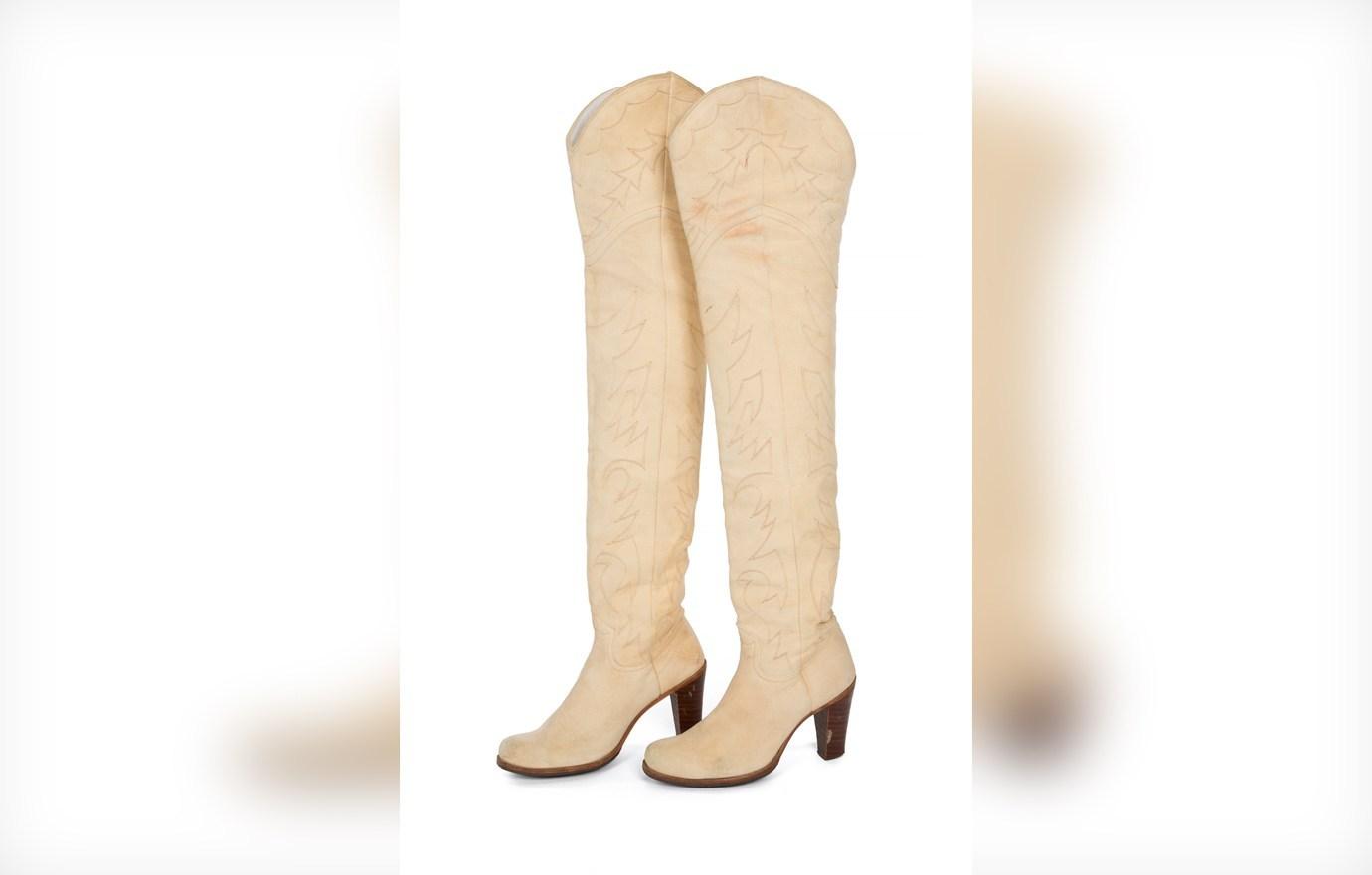 High-heel suede boots