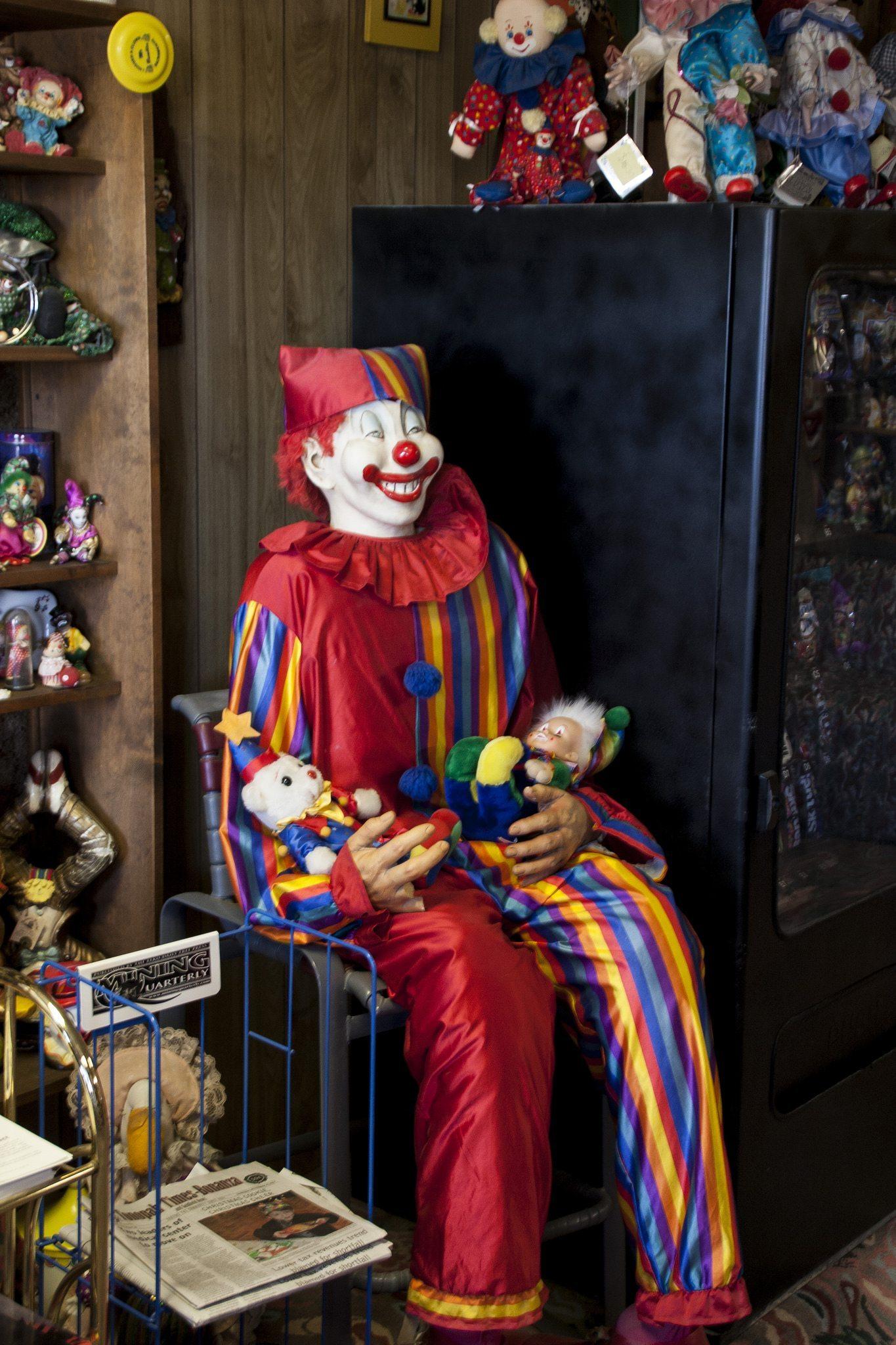 The lobby of the Clown Motel