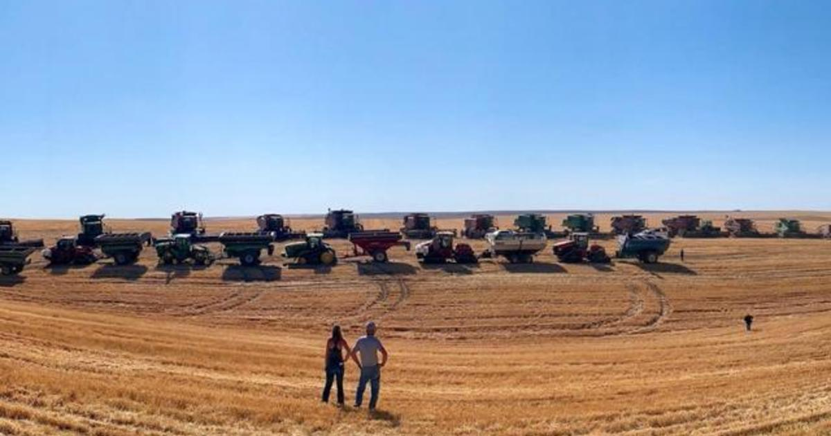 Farmers help neighbor with stage 4 cancer harvest crops