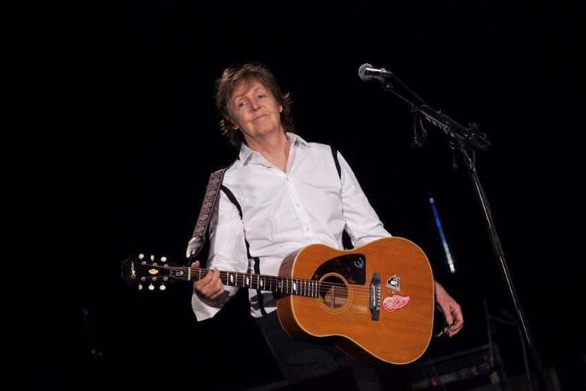 paul mccartney performing