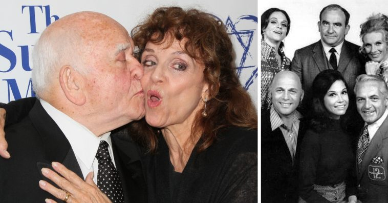 Former co star Ed Asner lends his support to Valerie Harper during cancer battle
