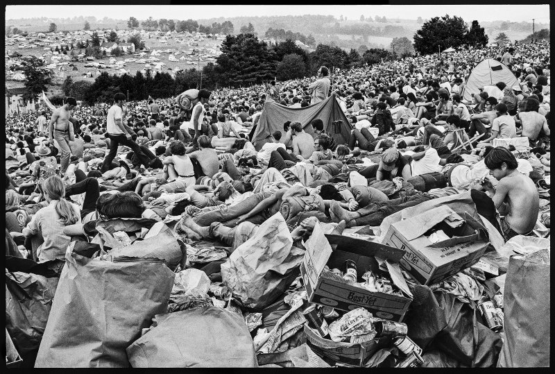 A crowd on the hillside at Woodstock