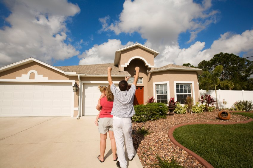 family buying a new home