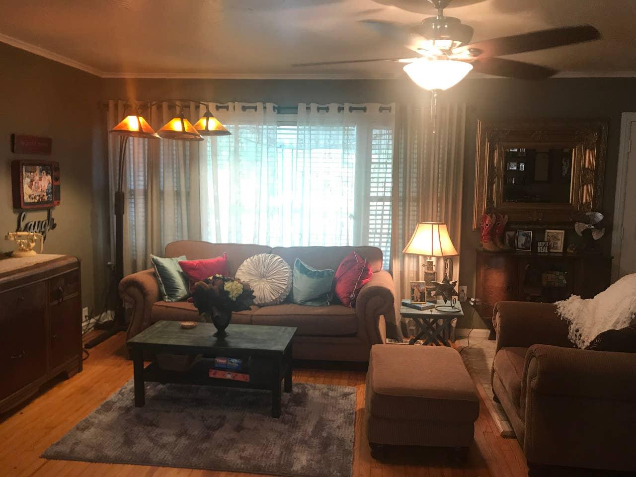 living room golden girls airbnb