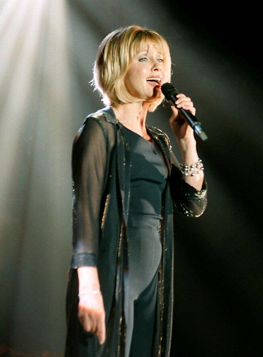 olivia newton-john in 1999
