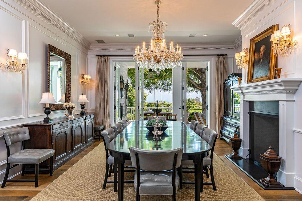 rob lowe selling mansion