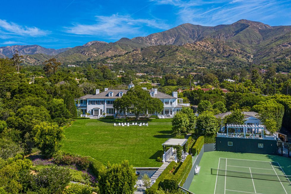 rob lowe selling mansion