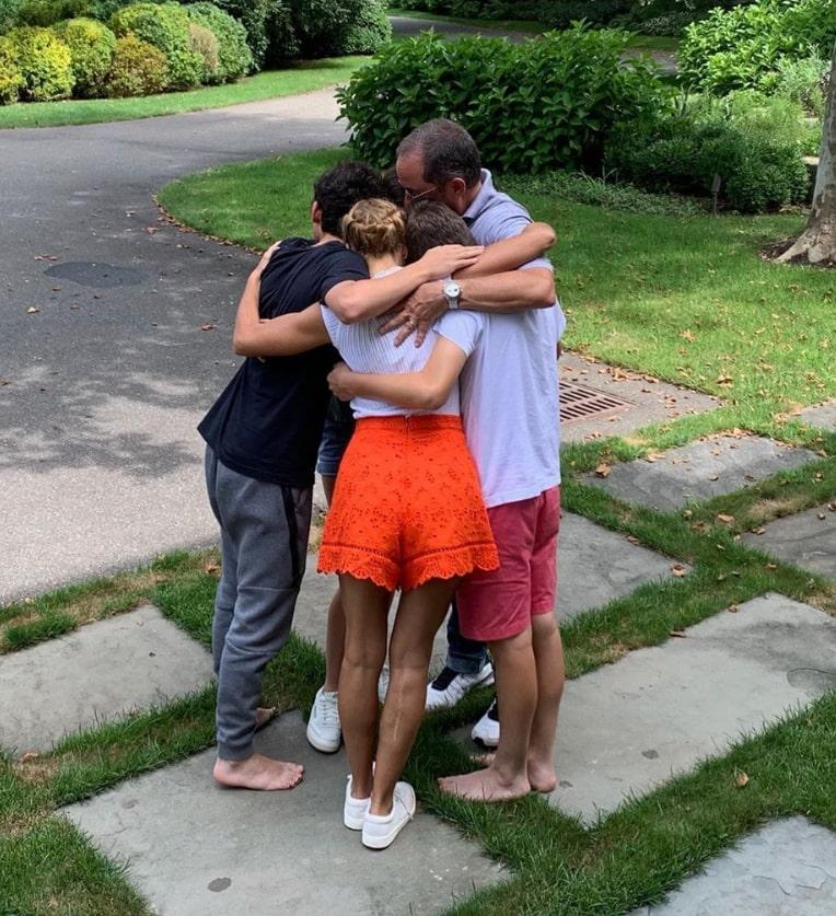 seinfelds hugging