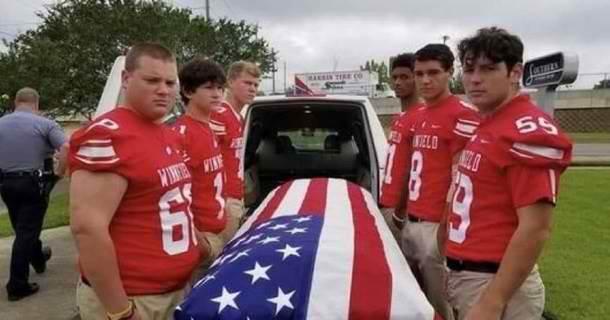 6 teens carrying casket for war veteran
