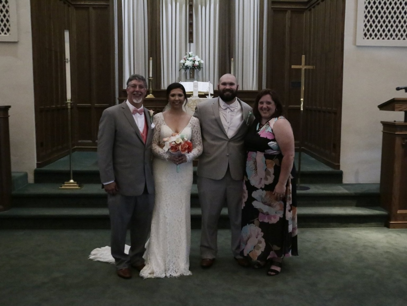 "Couple Pays $800 To Wedding Photographer, Left With ""Dark, Grainy Images"""
