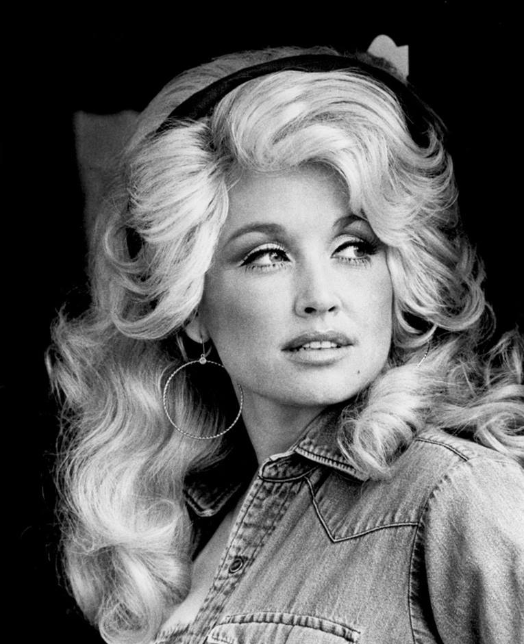 Dolly Parton poses for the camera.