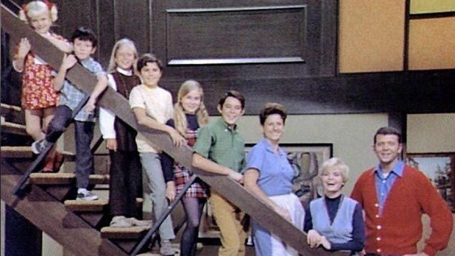 the brady bunch cast stairs