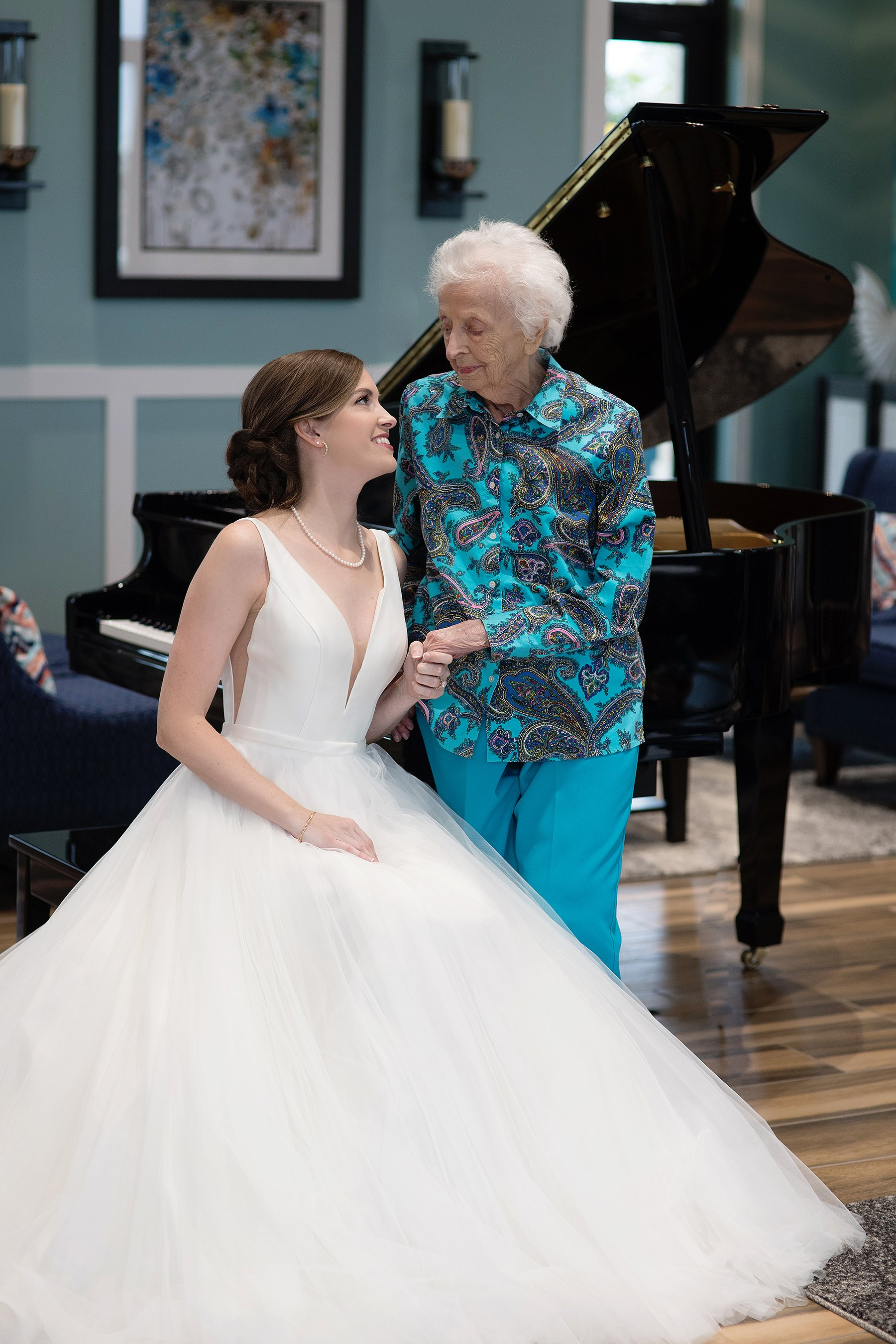 Tara and her grandmother in photoshoot