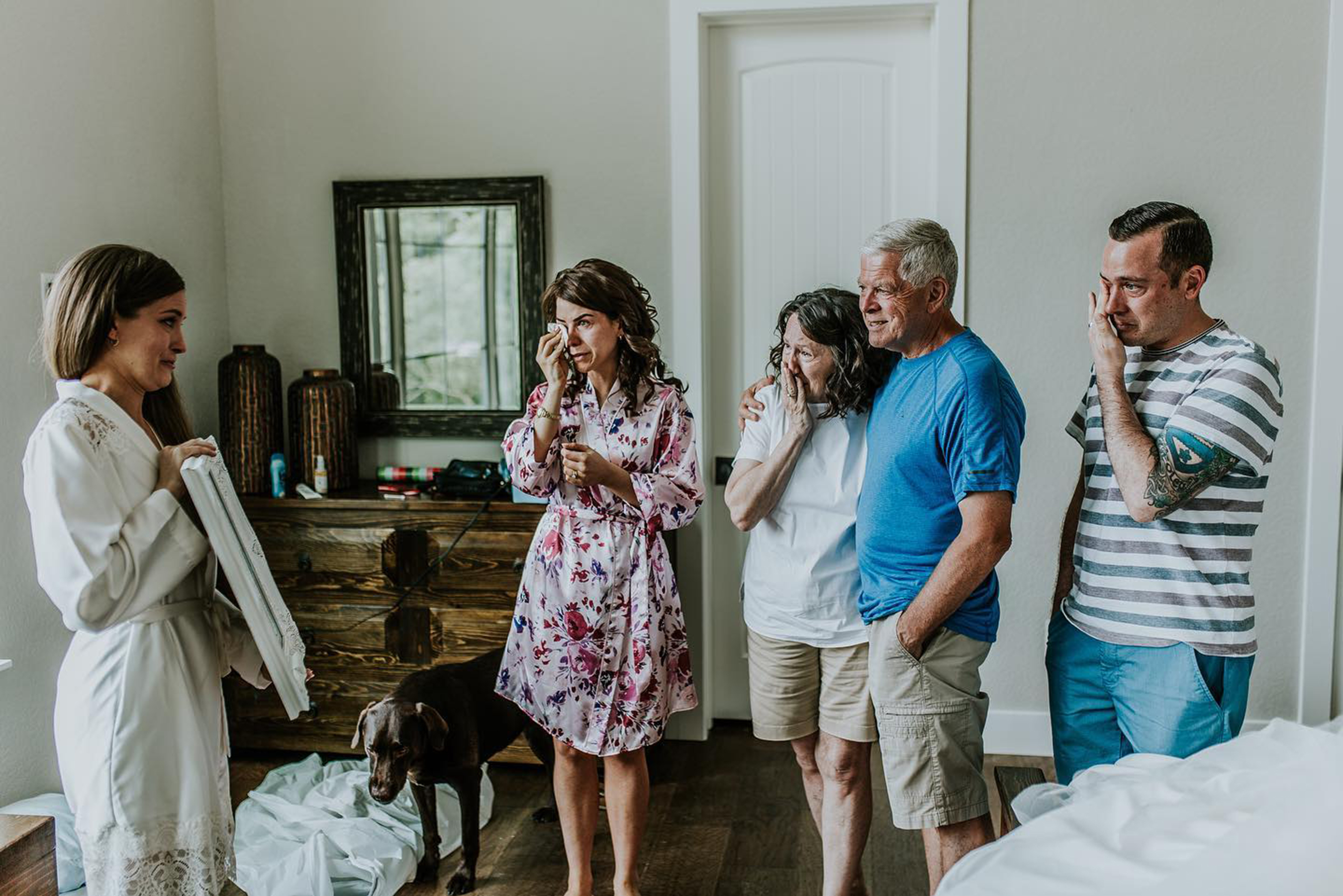 Bride-to-Be Flies to Grandmother in Hospice for 'Secret' Photoshoot in Her Wedding Gown