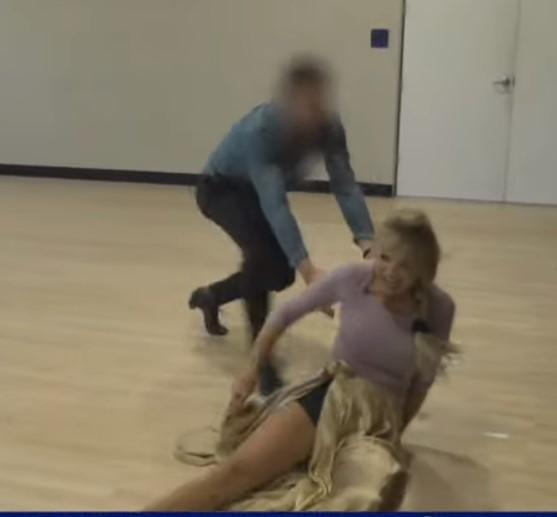 christie brinkley fall broken arm