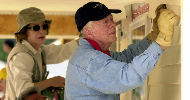 jimmy carter and rosalynn carter building homes for the poor