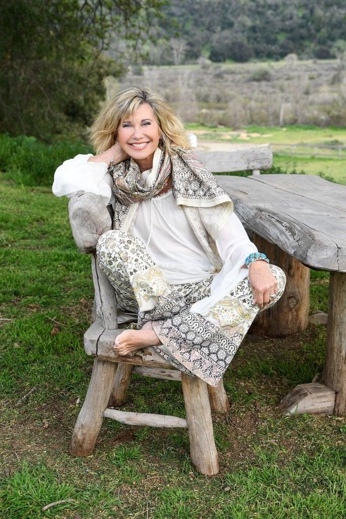 olivia newton-john staying positive during cancer battle