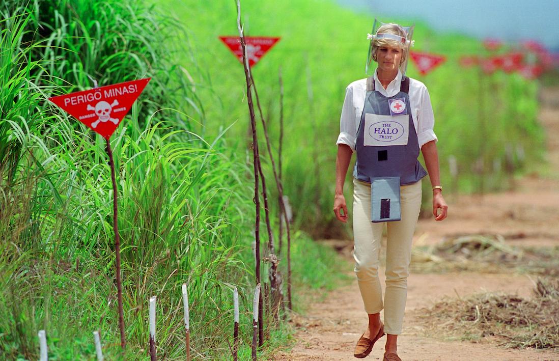 prince harry walks through landmines like princess diana did