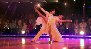In her foxtrot dedicated to her ailing cousin, Lauren Alaina and her partner Gleb Savchenko honored a country icon with their foxtrot