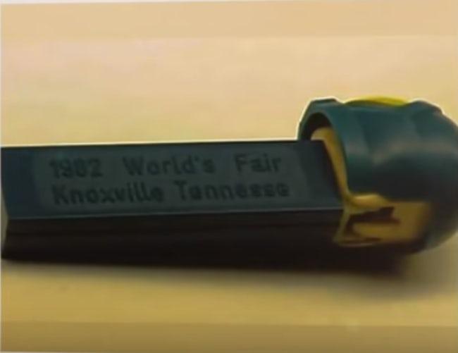 1982 World's Fair Astronaut B pez dispenser