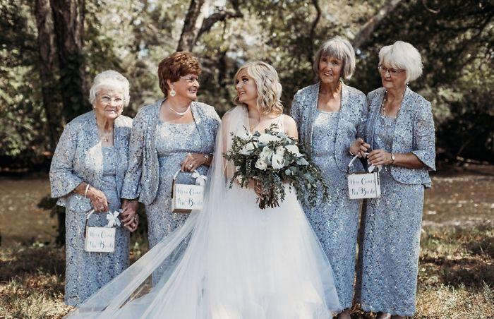bride has her 4 grandmas as flower girls